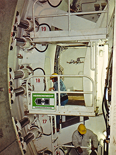 lock / decompression chamber